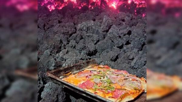 Sin duda la pizza es una de las comidas más populares a nivel nacional, pero que la cocinen en un río de lava ardiente ha causado furor en redes sociales