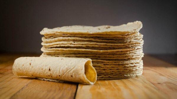 En calidad de desconocido se encuentra un hombre que murió luego de que se comiera una tortilla, los hechos se registraron en Chalco