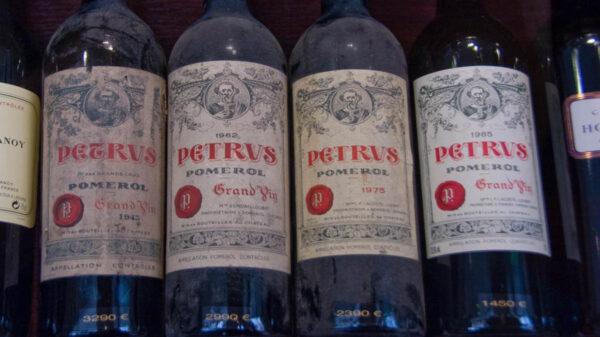 Un vino madurado en el espacio será subastado a precio inicial de un millón de dólares, generando expectativas de quién estaría interesado en la bebida