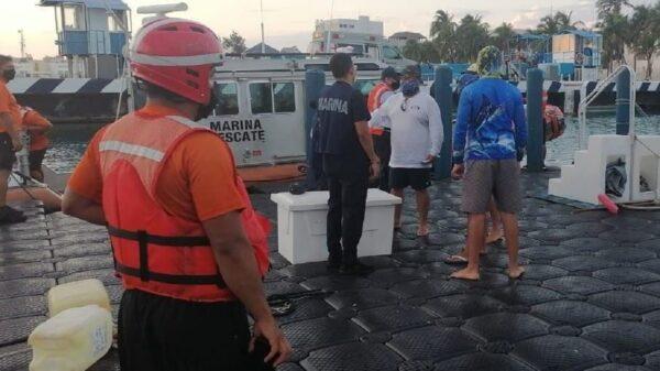 Isla Mujeres: Rescata la Armada de México a embarcación con cuatro tripulantes.