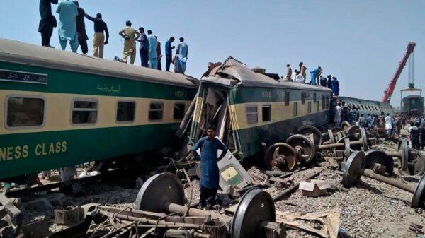 Tragedia ferroviaria en Pakistán.
