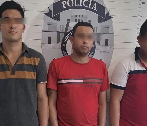 Detiene la Policía de Cancún a tres pistoleros.