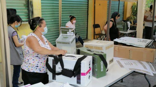Acuden habitantes de Rancho Viejo a emitir su voto
