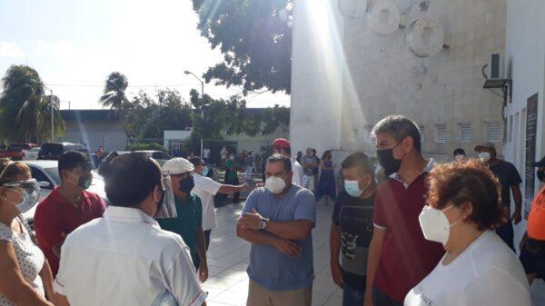 Continúa la afluencia de votantes a la casilla del gimnasio 'Nohoch Sukun' de Chetumal