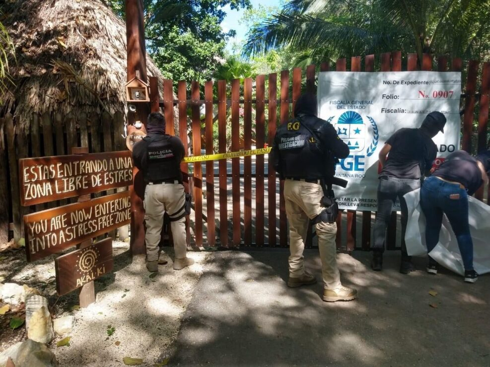 Catean hotel en Bacalar por denuncia contra presunto líder de secta sexual.