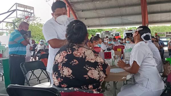 Acelerarán proceso de vacunación covid en Quintana Roo