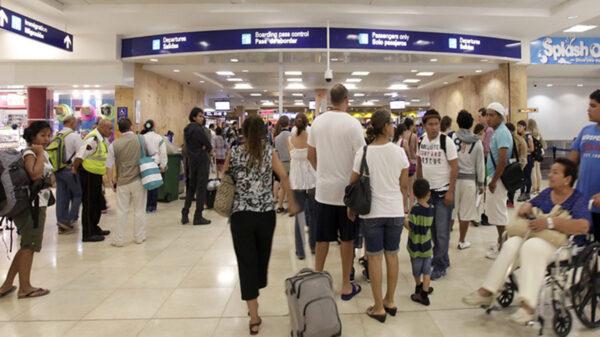Bate Aeropuerto de Cancún récord de operaciones con 518