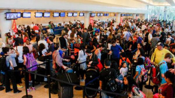 Rompe aeropuerto de Cancún récord de operaciones aéreas