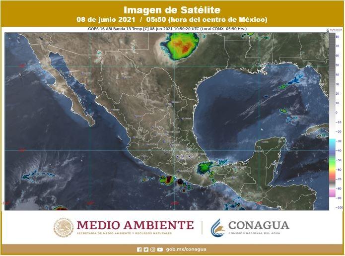 Pronóstico del clima para hoy martes 8 de junio en Quintana Roo; Cielo medio nublado con intervalos de chubascos y descargas eléctricas.