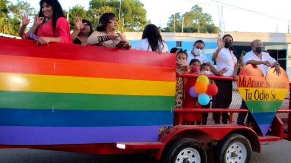 Por primera vez en Peto realizan caravana LGBTQ+