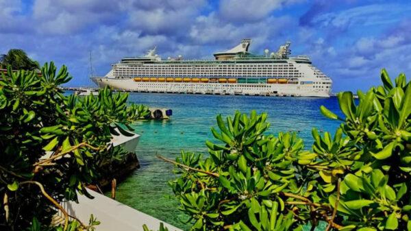 Regresa el Adventure of the seas a Cozumel