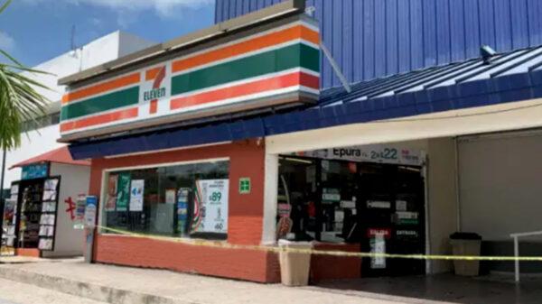"""Cancún: Hombre fue al """"Seven"""" a comprar, y salió muerto"""