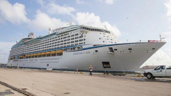 Con el arribo del 'Adventure of the Seas' se reactivarán los cruceros en Cozumel.