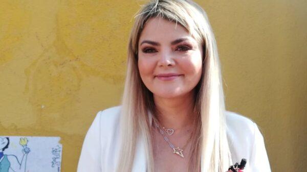 Candidata a la gubernatura de San Luis Potosí, es criticada por llegar tarde a emitir su voto