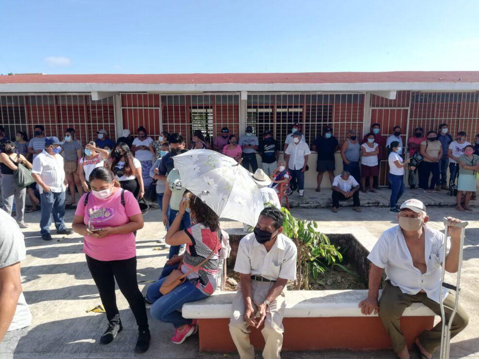 En Kantunilkín ciudadanos ya emiten sus votos; en la cabecera municipal se instalaron 40 casillas.