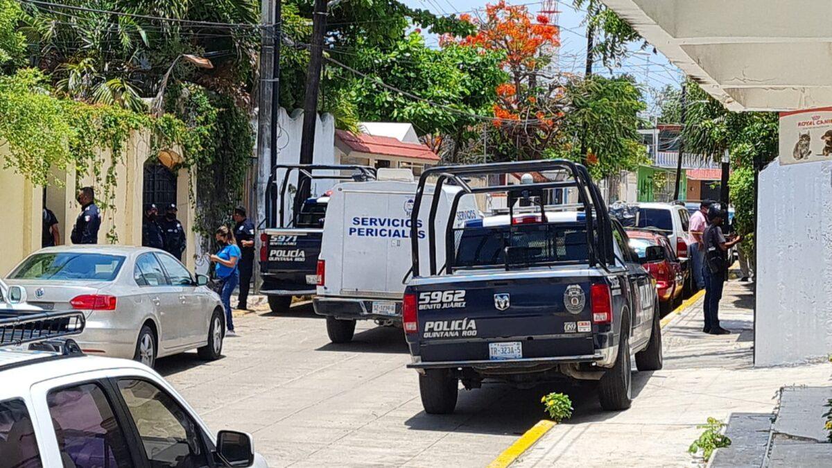Cancún: Hallan cadáver en un domicilio de la avenida Sunyaxchen (VIDEO).