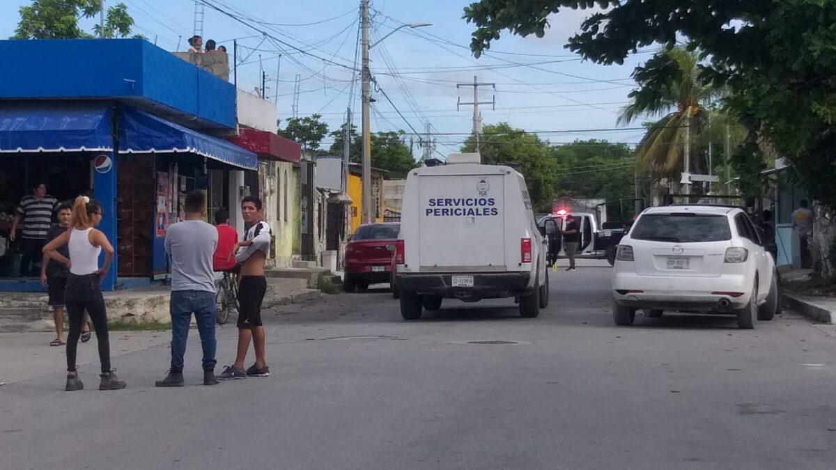 Cancún: Atacan a balazos a un sujeto en la Supermanzana 101 (VIDEO).