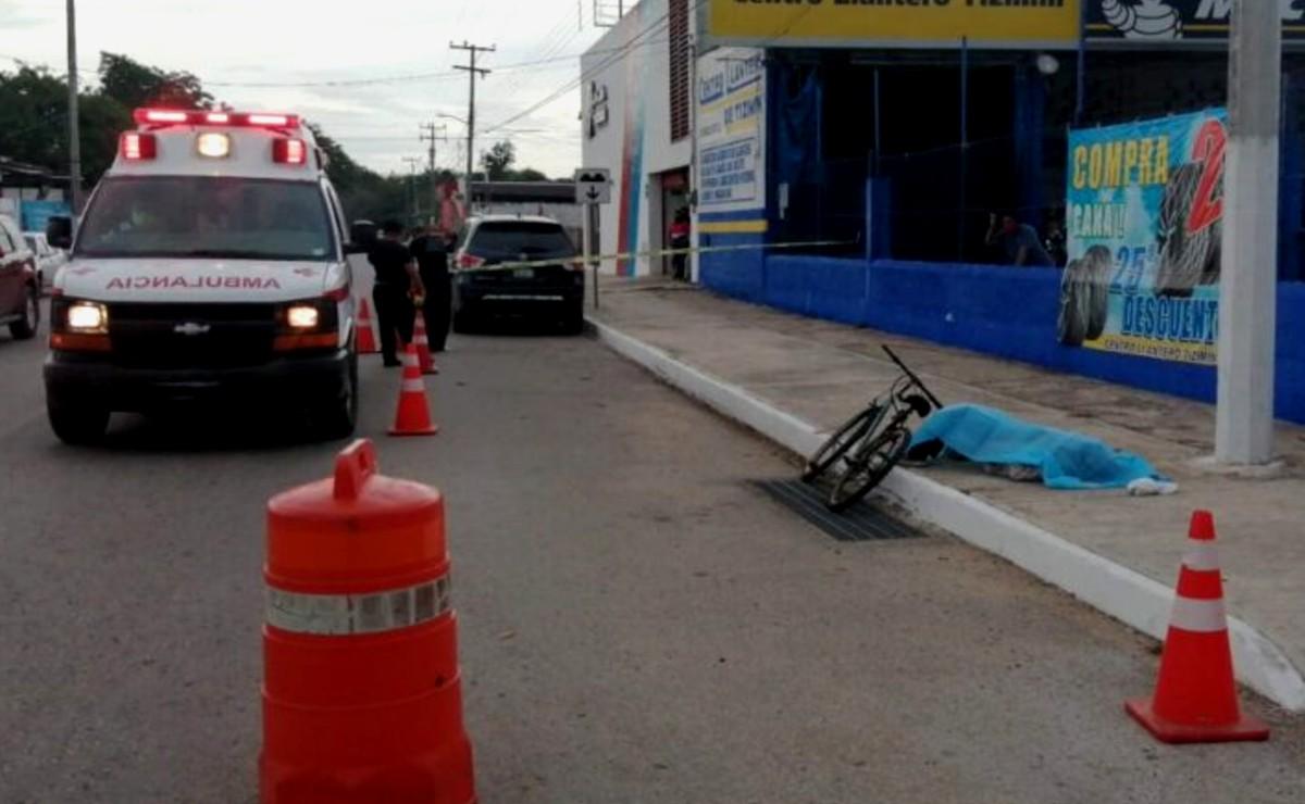 Muere persona de la tercera edad mientras manejaba su bicicleta en Tizimín