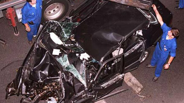 La teoría conspirativa sobre la muerte de la princesa Diana ante el fatídico accidente de coche tomaron fuerza en el año 2004