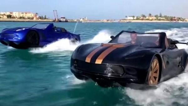 Tres jóvenes de Egipto se unieron para crear un automóvil acuático, cuyas imágenes de la unidad sobre el agua está causando sensación