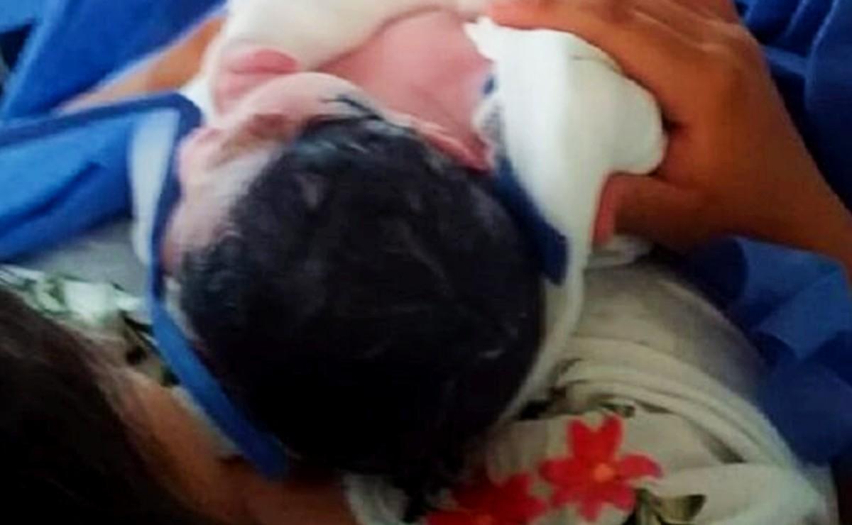 Dzidzantún: Bebé no espera llegar al hospital y nace en una ambulancia