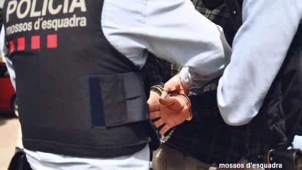 La policía catalana detuvo a una mujer que fue acusada de cortarle el pene a su jefe, quien presuntamente habría abusado sexualmente de ella
