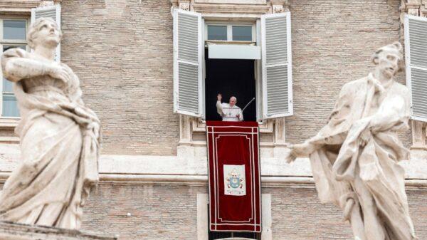 Lamenta el Papa Francisco desplazamiento y hambre en Birmania.
