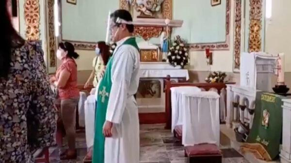 Un video de una misa que es interrumpida por una balacera en Guerrero, se viraliza causando infinidad de reacciones