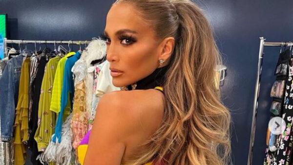 Jennifer Lopez confirma con tremendo beso relación con Ben Affleck