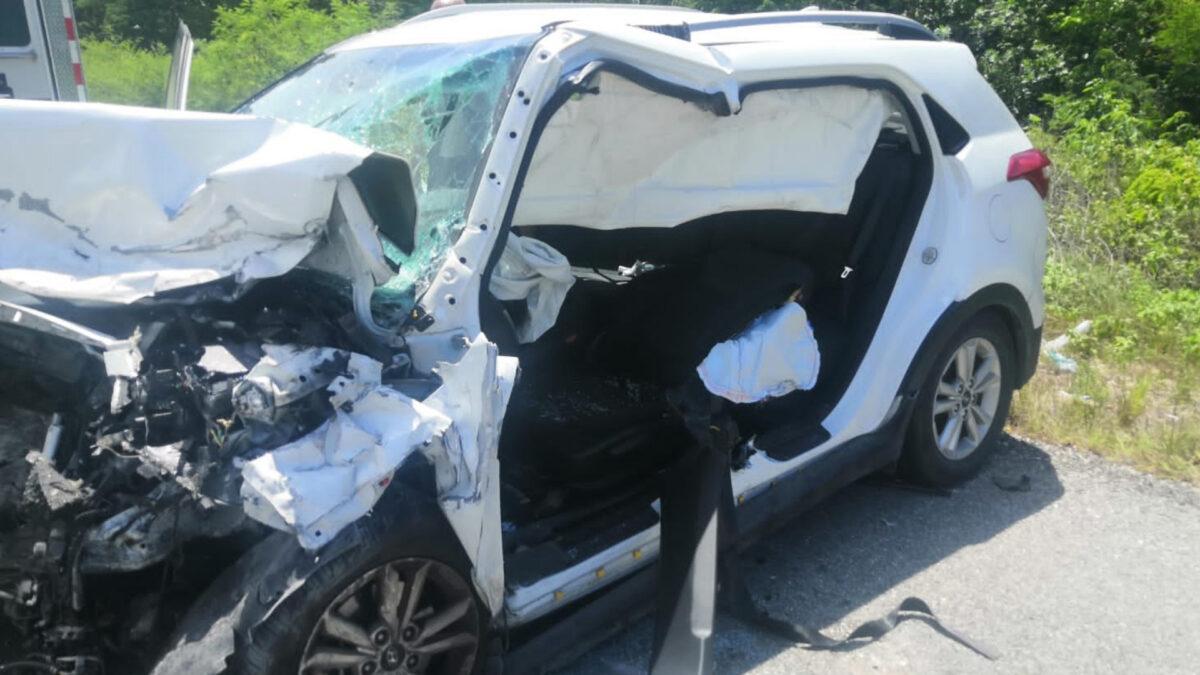 Ebrios provocan accidente vehicular en Playa del Carmen y no los detienen