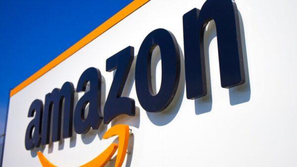 Responde Amazon a las denuncias de los padres de niñas llamadas Alexa que protestaron contra la compañía