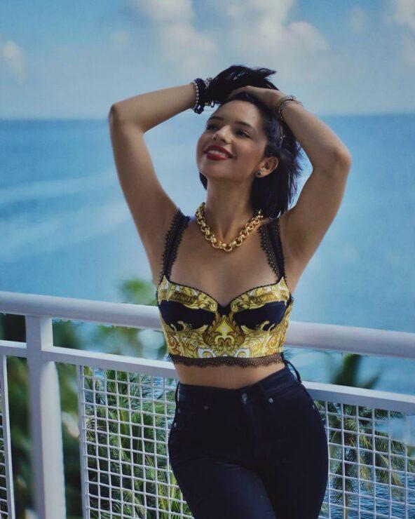 Ángela Aguilar viste el look que Selena usaría en el 2021