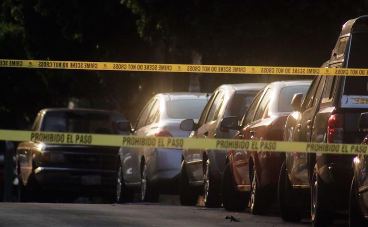 Policía sorprende a mujer con cadáveres de dos niños en su auto