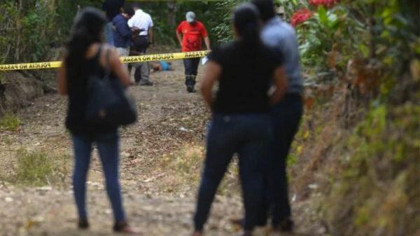 Asesinan a machetazos a pareja de abuelitos en Puebla