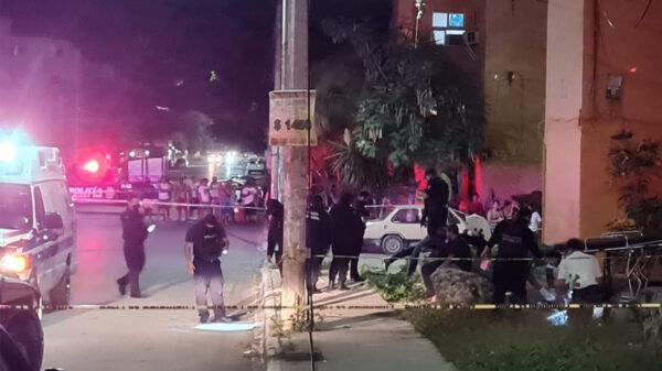 Cancún: Dos jóvenes son baleados en Corales, uno muere