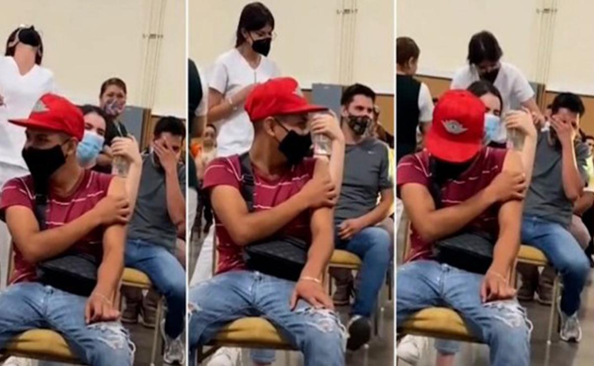 Joven grita de pánico, al ser vacunado contra Covid-19, en Chihuahua