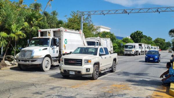 Cancún: Se manifiestan recolectores de basura en ayuntamiento