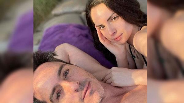 Mauricio Ochmann le manda serenata virtual a su novia Paulina Burrola