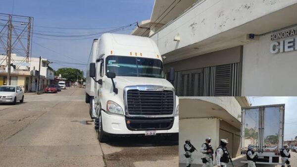 Localizan a 211 migrantes que viajaban en camiones, en Veracruz
