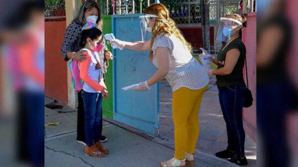 Reportan en Nuevo León 50 niños con Covid-19