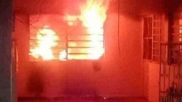 Mujer incendia su casa con su marido adentro, porque aseguró era un 'zángano'