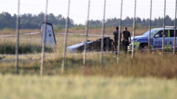 Se estrella avioneta en Suecia; mueren ocho paracaidistas deportivos.