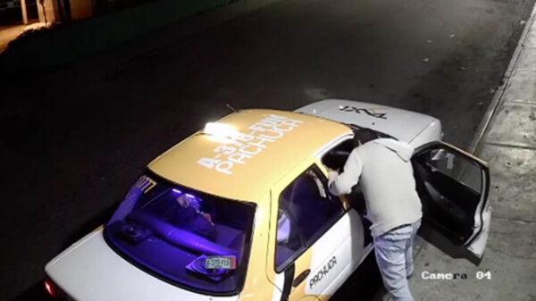 Mujer es golpeada y arrastrada por un taxista en Pachuca