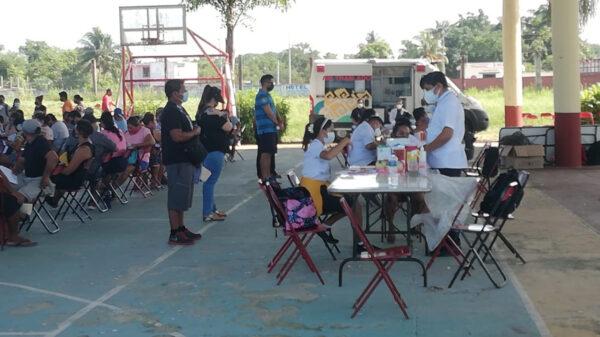 Exitosa primera jornada de vacunación covid en Kantunilkín para treintañeros