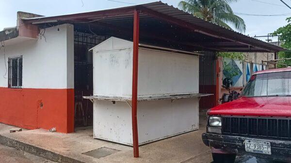 Suspensión de taquería de Cancún no fue por vender carne de perro: Cofepris.