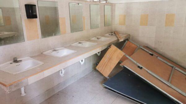 Evalúan daños en planteles educativos en Cancún.