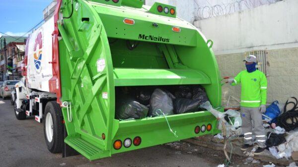 Incrementan vacacionistas la generación de basura en Cancún.