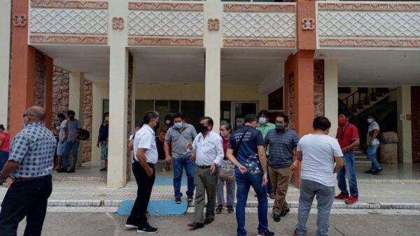 Por millonario adeudo cortan energía eléctrica al Palacio Municipal de FCP.