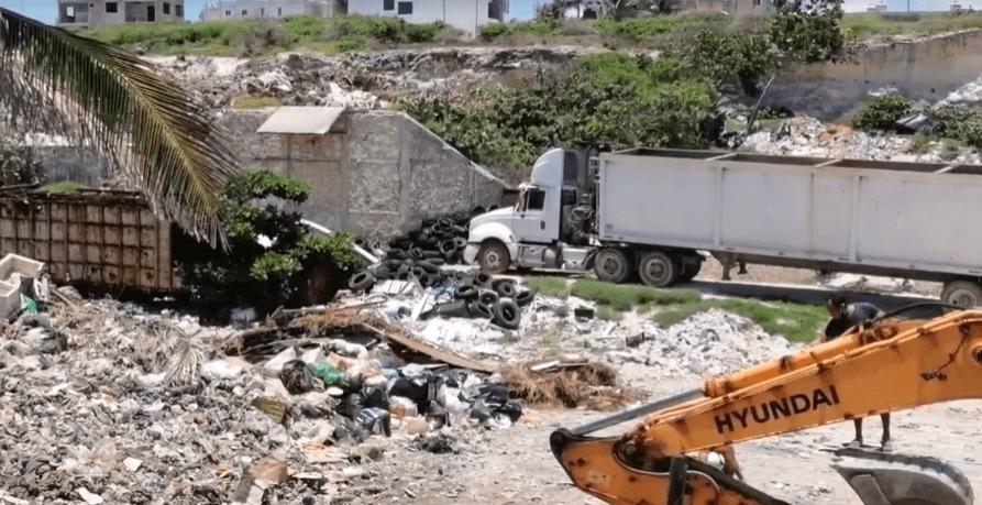 Juan Carrillo heredará cientos de toneladas de basura a Atenea Gómez; en Isla Mujeres no se ha querido atender el problema con el Centro de Transferencia.