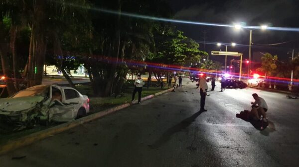 Deja dos muertos y cuatro heridos brutal choque en Cancún.